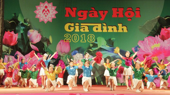 A children's performance at the Vietnam Family Festival 2018 (Photo: toquoc.vn)