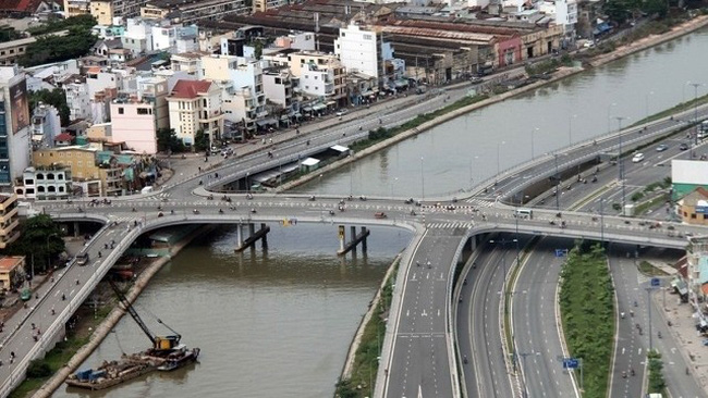 Ho Chi Minh City's transport infrastructure has developed but still lack of connection with the whole Southern region. (Photo: NDO/Duong Minh Anh)