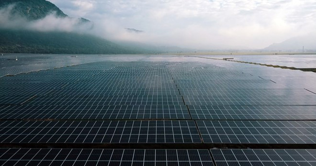Panels of the Sao Mai Solar PV1 plant in Tinh Bien district, An Giang province (Photo: VNA)