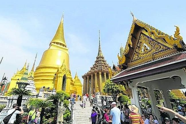 Visitors in Thailand (Photo: VNA)
