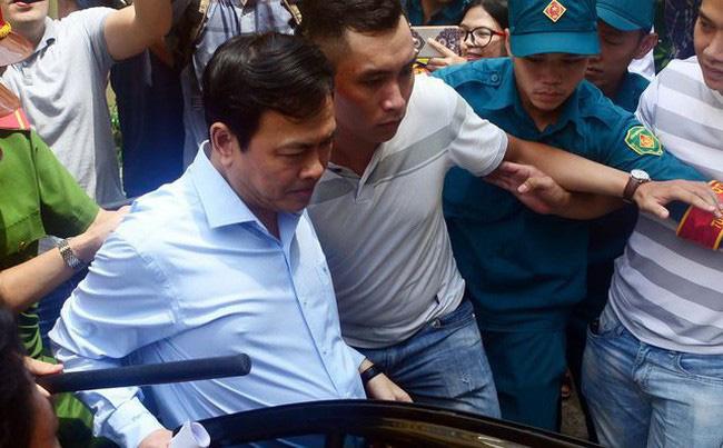 Ngày 23/8, tiếp tục xử kín Nguyễn Hữu Linh nghi dâm ô bé gái trong thang máy - ảnh 2