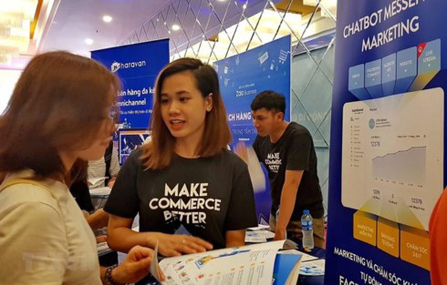 A booth introducing marketing services and technologies at the Vietnam Online Marketing Forum 2019 in Hanoi on August 14. (Photo: VNA)