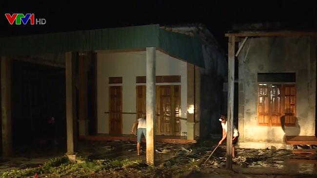 Bão số 4 làm 3 người thiệt mạng, hơn 1.300 ngôi nhà bị hư hỏng, tốc mái - ảnh 1