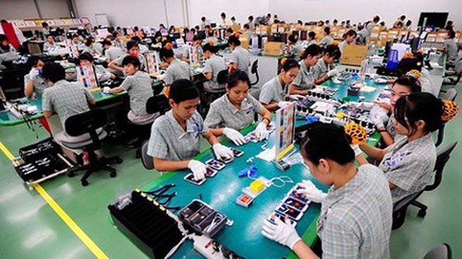 The high trade surplus was attributed to the increase of exports of phones and components at US$33 billion in the eight-month period. (Illustrative image)