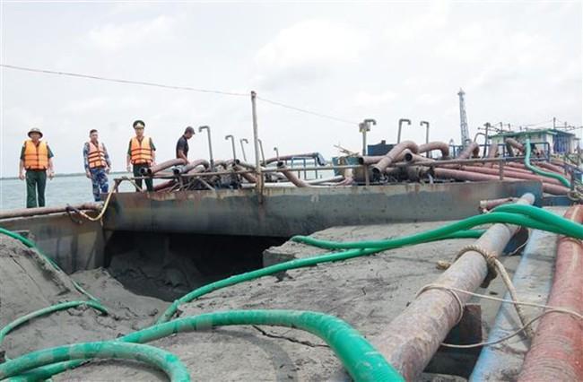Bà Rịa - Vũng Tàu: Bắt gần 10.000 m3 cát vận chuyển trái phép trên biển - ảnh 1