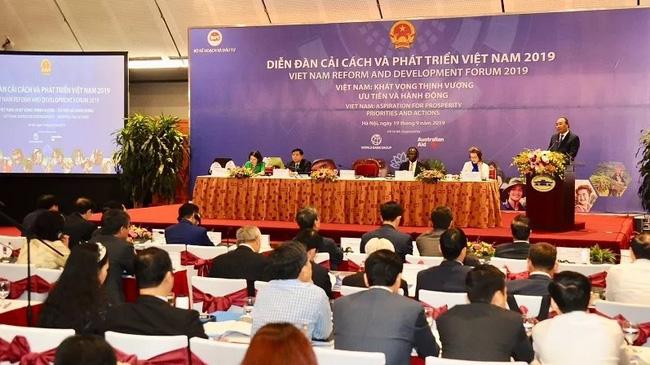 Prime Minister Nguyen Xuan Phuc speaking at the Vietnam Reform and Development Forum (Photo: Tran Hai)