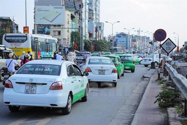 Taxi cabs operate in Hanoi (Photo: VNA)