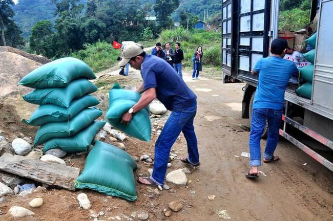Thủ tướng quyết định xuất cấp 1.000 tấn gạo hỗ trợ nhân dân vùng lũ - ảnh 2
