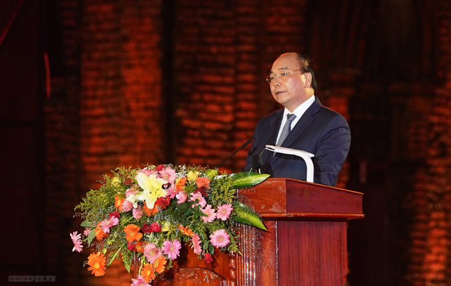 Prime Minister Nguyen Xuan Phuc speaking at the ceremony (Photo: VGP)