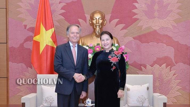 National Assembly Chairwoman Nguyen Thi Kim Ngan and Italian Minister of Foreign Affairs and International Cooperation Enzo Moavero Milanesi (Photo: quochoi.vn)