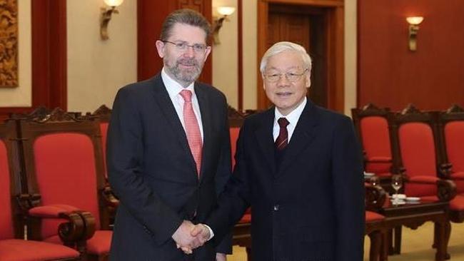 General Secretary and President Nguyen Phu Trong receives Australian Senate President Scott Ryan. (Photo: VNA)