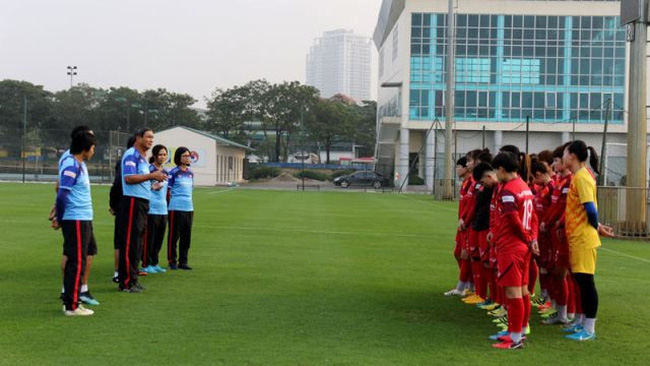 Vietnam women's national team return to training on December 24 for the goal of securing a place in the 2020 Tokyo Olympics. (Photo: VFF)