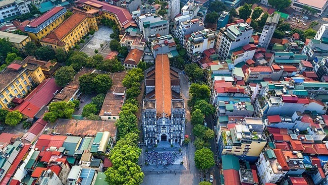 St. Joseph's Cathedral in downtown Hanoi. (Photo: Shutterstock/Anh Thuy)