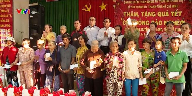 Đồng chí Nguyễn Thiện Nhân tặng quà Tết tại Trà Vinh - ảnh 1