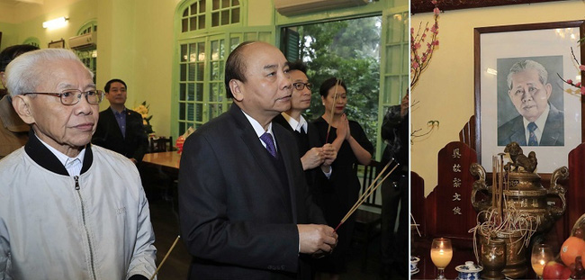 Prime Minister Nguyen Xuan Phuc offered incense to the late General Secretary Le Duan. (Photo: VGP)