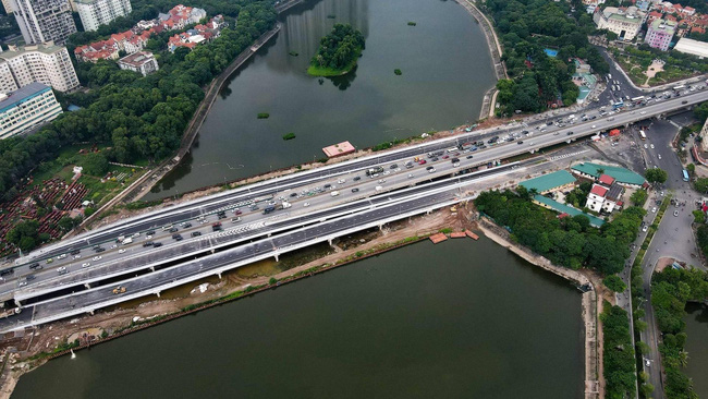 The bridges formally open to traffic on October 6. (Photo: Ha Nam)