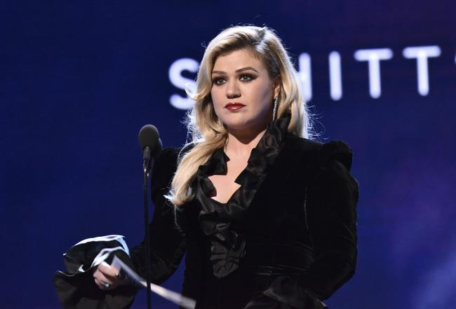Kelly Clarkson không ngại công khai chuyện ly hôn - ảnh 2