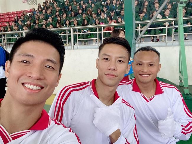 3 tân sinh viên đặc biệt khoác áo đội tuyển bóng đá quốc gia - ảnh 1