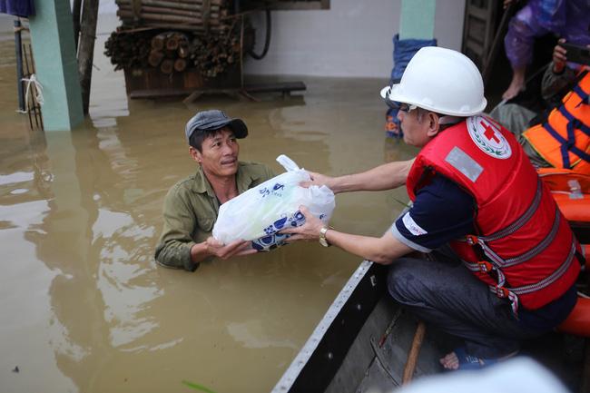 Đề xuất cấp 6.000 tấn gạo hỗ trợ người dân bị ảnh hưởng mưa lũ - ảnh 3