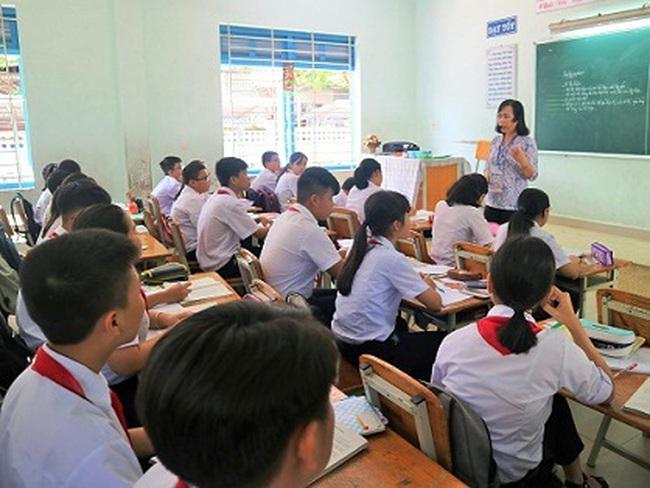 Hôm nay (28/10), học sinh Khánh Hòa nghỉ học tránh bão số 9 - ảnh 1