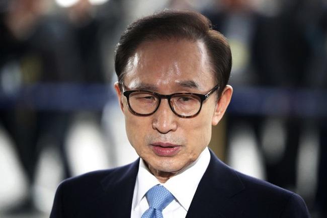 Giữ nguyên bản án 17 năm tù đối với cựu Tổng thống Hàn Quốc Lee Myung-bak - ảnh 3