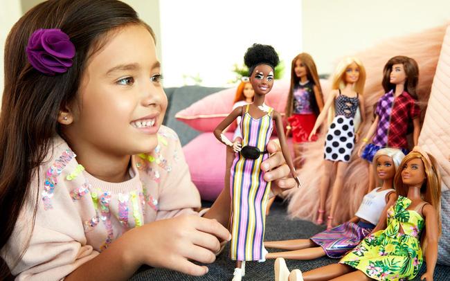 Chơi búp bê giúp trẻ em phát triển sự đồng cảm và kỹ năng xã hội - ảnh 5