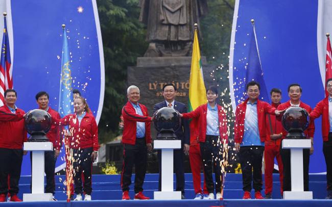 """Lễ khởi động SEA Game 31 và Lễ đếm ngược 1 năm đến SEA Game 31"""" đã diễn ra vào sáng 21 - 11 tại Hà Nội"""