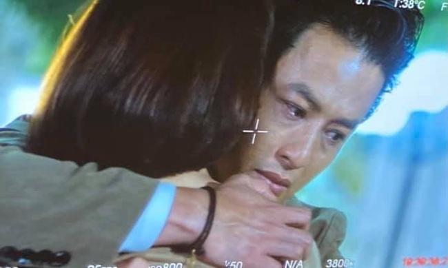 Hồng Đăng lộ ảnh ôm Hồng Diễm khóc - ảnh 2
