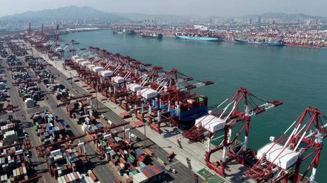 Thiếu hụt container ở châu Á, chi phí vận tải biển tăng vọt - ảnh 2