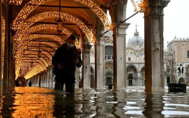 Thành phố nổi tiếng Venice (Italy) chìm trong biển nước - ảnh 5