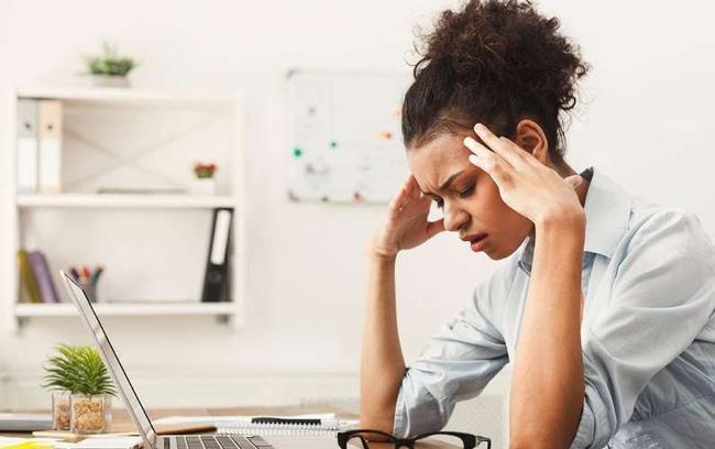 7 thói quen làm việc tại nhà bào mòn sức khỏe của bạn - ảnh 8