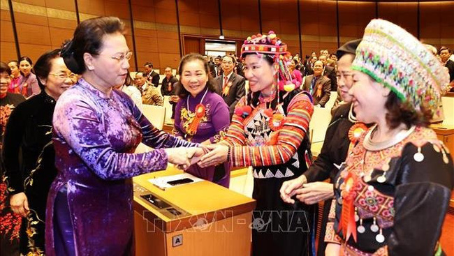 Chairwoman of the National Assembly Nguyen Thi Kim Ngan (L) and delegates at the event (Photo: VNA)