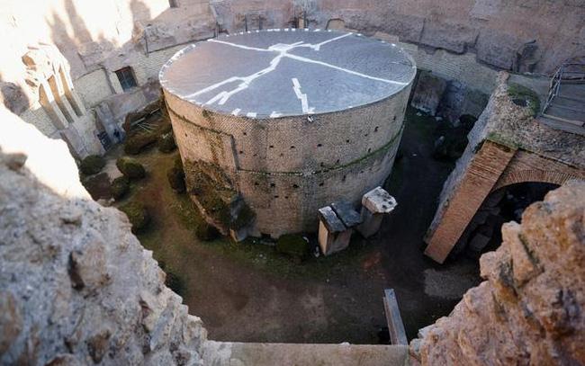"""Lăng mộ hoàng đế Rome đầu tiên được """"hồi sinh"""" - ảnh 5"""