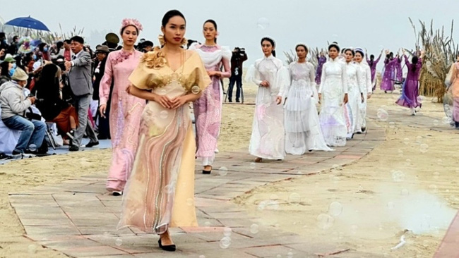 The Ao Dai collections at the festival