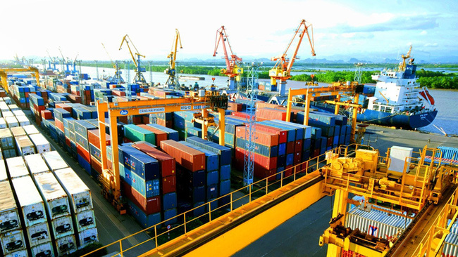 Vietnam's economic growth is expected to rebound to 6.5% in 2021.
