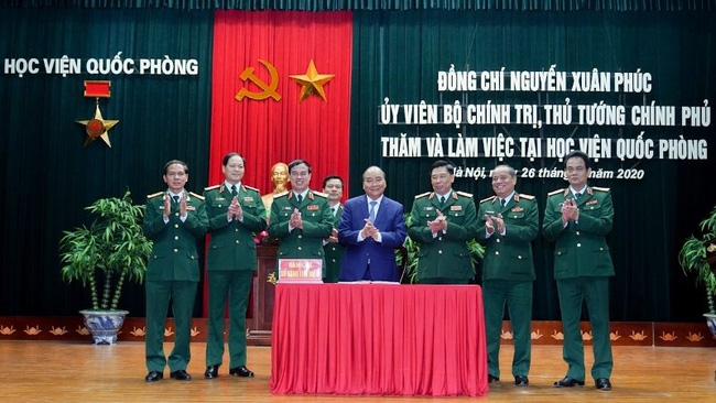 Prime Minister Nguyen Xuan Phuc at the National Defence Academy