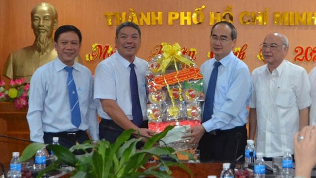 Politburo member Nhan extends best Tet wishes to the Vietnam Television (VTV) branch in Ho Chi Minh City. (Photo: NDO)