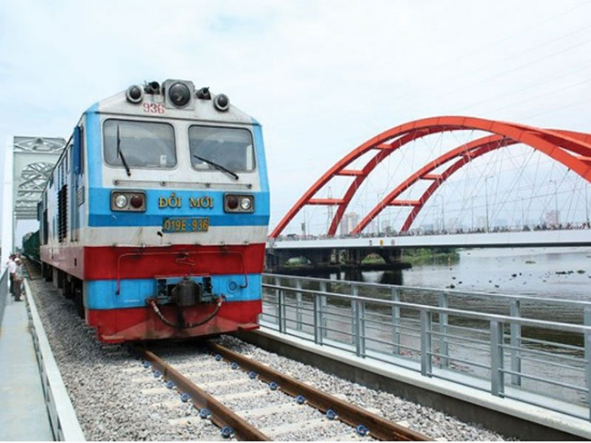 The four railway projects which have a total investment capital of VND7 trillion (US$300.4 million) are scheduled to be completed in 2021. (Illustrative image)
