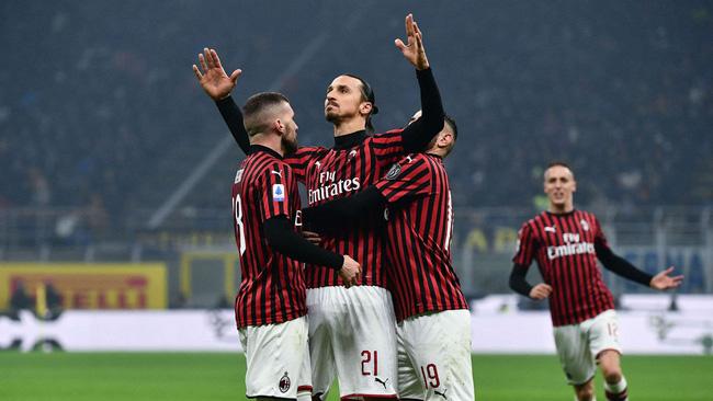 Zlatan Ibrahimovic thiết lập cột mốc ấn tượng trong màu áo AC ...