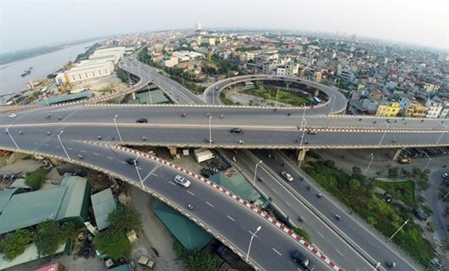 An overview of Vinh Tuy Bridge 1. (Photo: news.zing.vn)