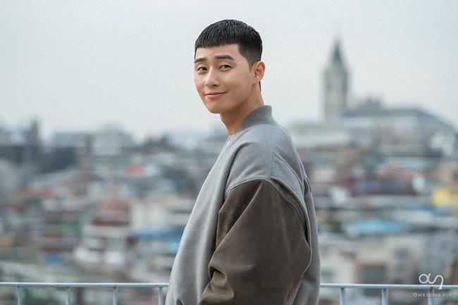 Sự thật đằng sau kiểu tóc có một không hai của nam chính Tầng lớp Itaewon - ảnh 1