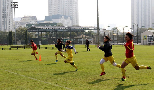 Vietnamese players in action during their January 30 training session. (Photo: VFF)