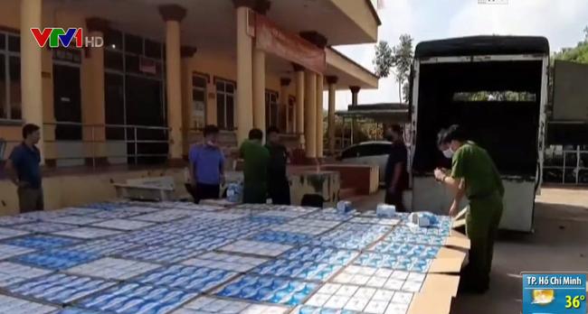 Bắt giữ vụ vận chuyển gần 300.000 khẩu trang y tế tại Tây Ninh - ảnh 2