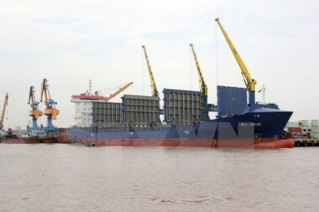 A cargo ship in Vietnam's waters (Photo: VNA)