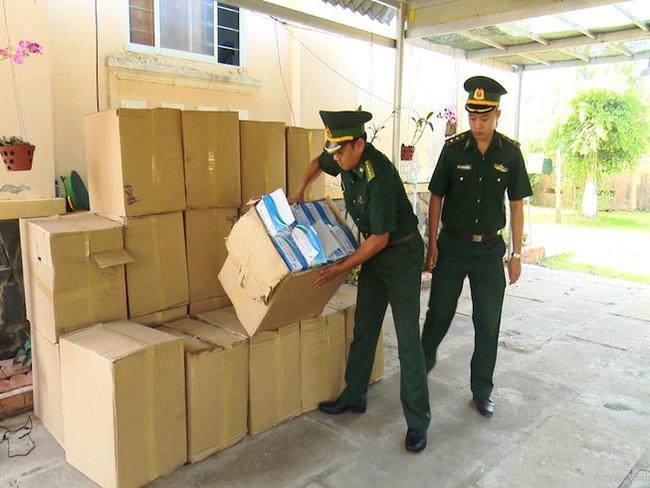 Bắt vụ buôn lậu khẩu trang bằng đường thủy sang Campuchia - ảnh 2