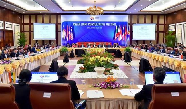 At the ASEAN Joint Consultative Meeting (Photo: VNA)