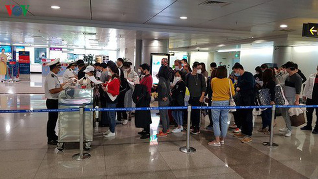 Tan Son Nhat International Airport has received thousands of Vietnamese nationals returning to the home country from COVID-19 hit countries over the past few days
