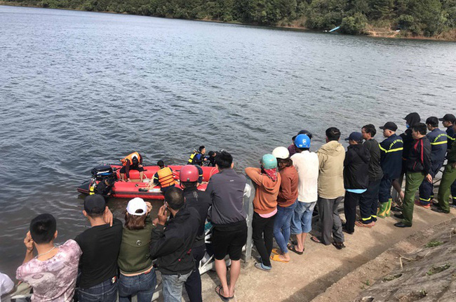 Lật thuyền trên hồ thủy điện ở Gia Lai, 3 người thiệt mạng - ảnh 2