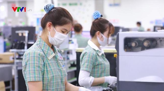 Kinh tế Việt Nam đứng vững trước cú sốc bên ngoài - ảnh 2