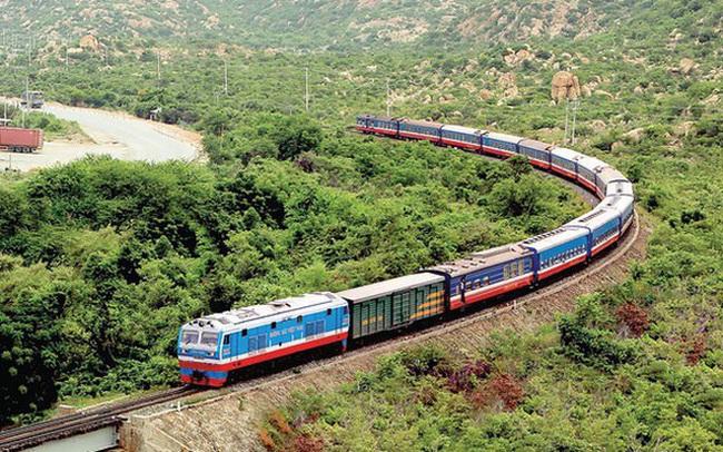 Đường sắt chỉ còn chạy một đôi tàu khách Bắc - Nam nối Hà Nội và TP.HCM - ảnh 2